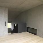 unique-material-exposed-interior-house-design7-500x375