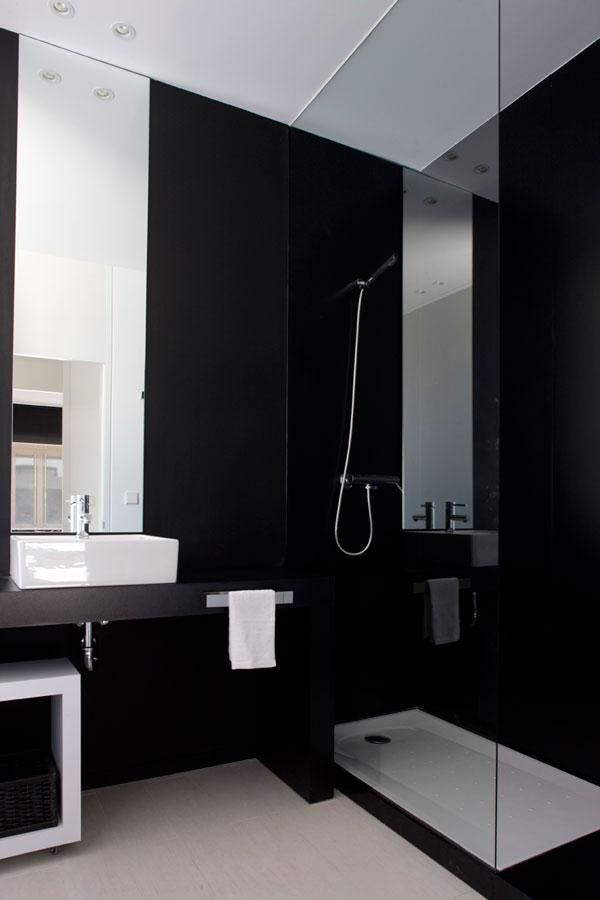 Donkere badkamers eenig wonen bloglovin - Donker mozaieken badkamer ...